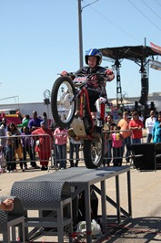 On The Edge 2-Wheel Action Show - team3